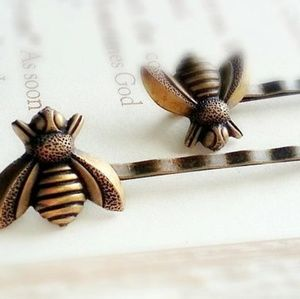 Brass Bee Bobby Pins Set